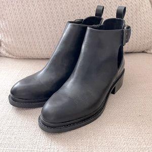 Zara Combat black Ankle boots